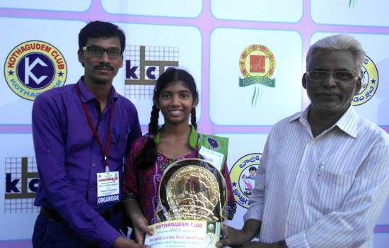 Angel Vennela receives her runners-up prize for singing at Balotsav 2015
